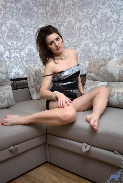 Tanya S - Foxy Lady - Anilos