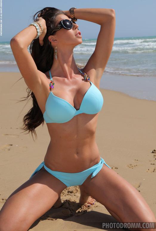 Laura - Cape Nude - PhotoDromm