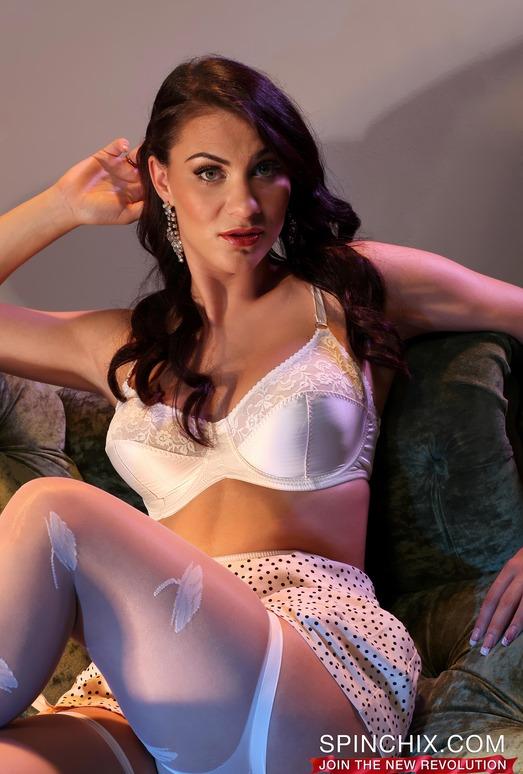 Roxy Mendez - Spinchix