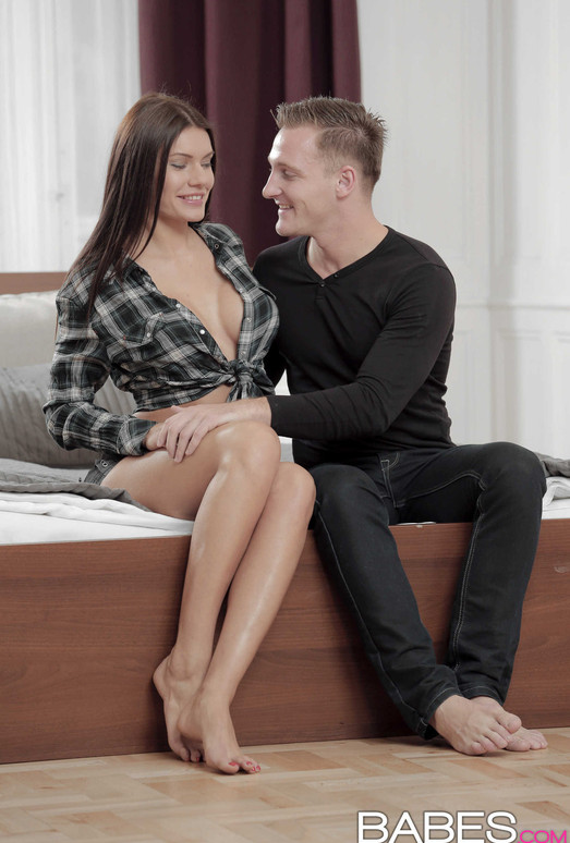 Babes totti and tina hot breakfast in bed 2