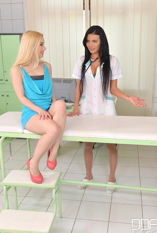 Nesty & Vanessa Decker - Euro Girls on Girls
