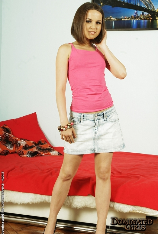 Jalace - The Crazy Chix Show - Dominated Girls