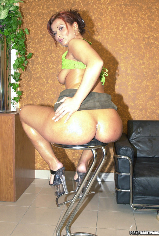 Jenna Wild has an amazing bubble butt