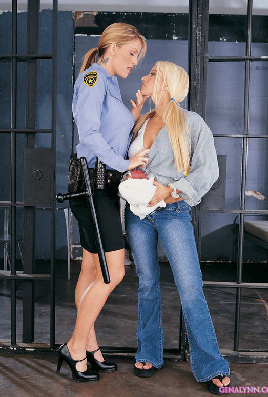 Gina Lynn got arrested