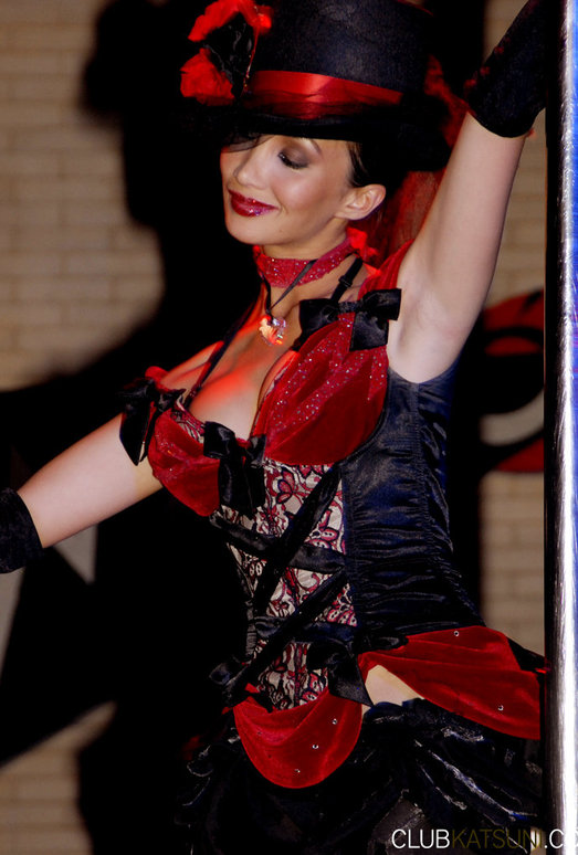 Sensational Katsuni Goes To Italy And Ends Up Pole Dancing