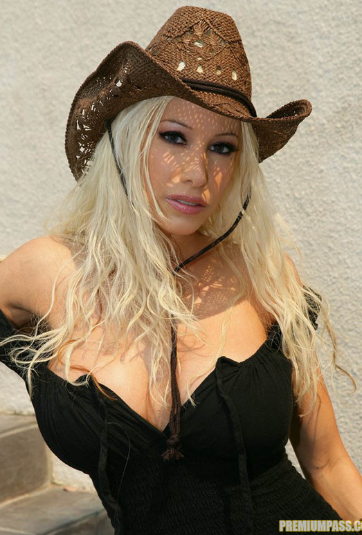 Cowgirl Gina Lynn Strips Down Naked
