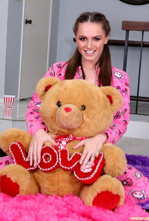 Tori Black - Waiting in my Pajamas