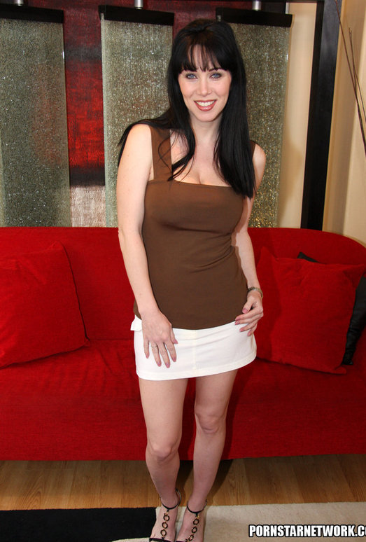 RayVeness Gets Her Mouth Filled