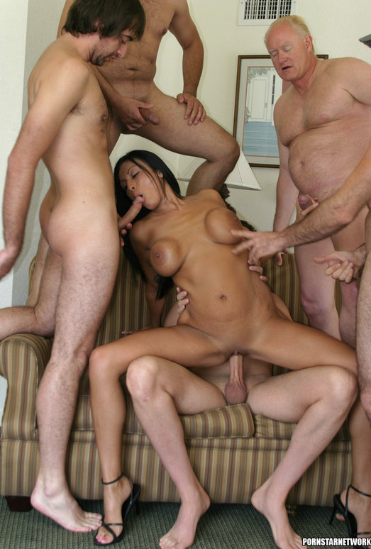 Tera Leigh vs Five Guys