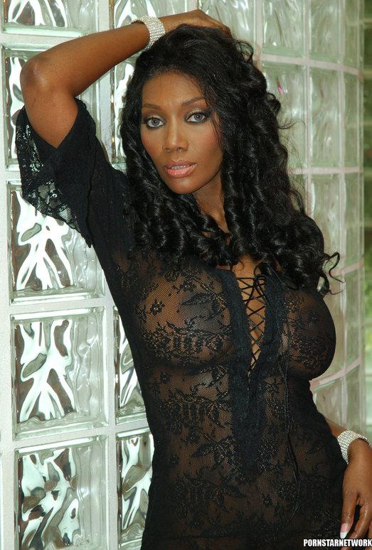 Hardcore Fucking with Ebony Naomi Banxxx