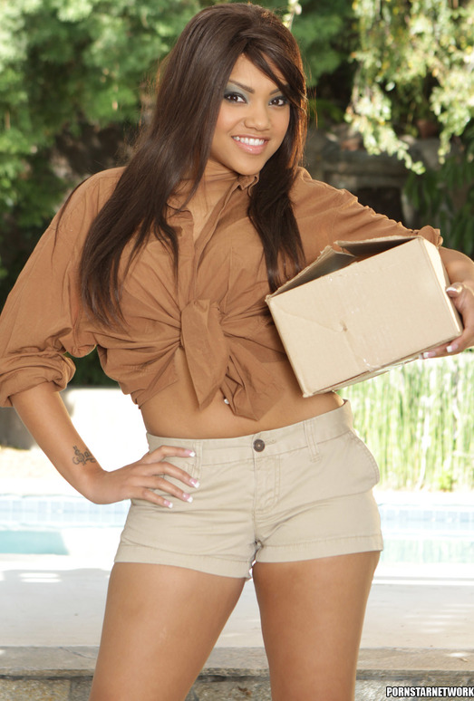 Catalina Taylor - Packages and Boxes