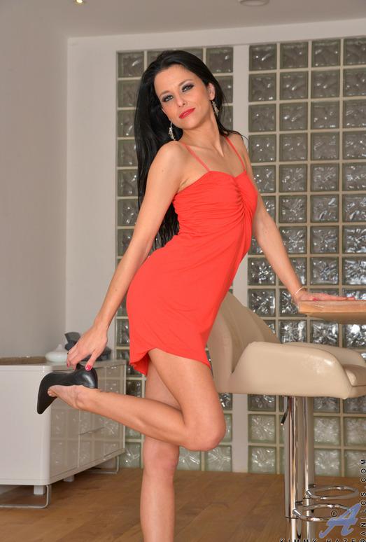 Kimmy Haze - Lusty Babe - Anilos