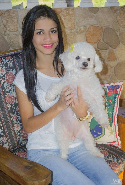 Sunny Smile - Denisse Gomez