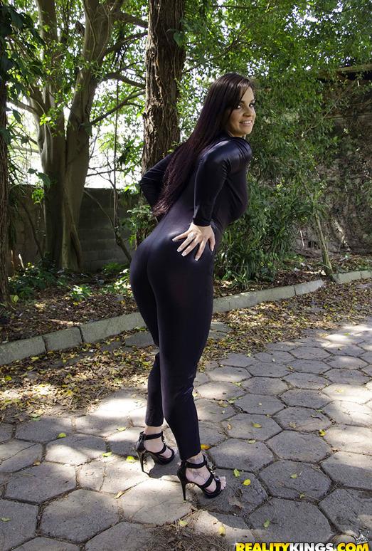 Cristine Castellari - Sexy Walk - Mike In Brazil