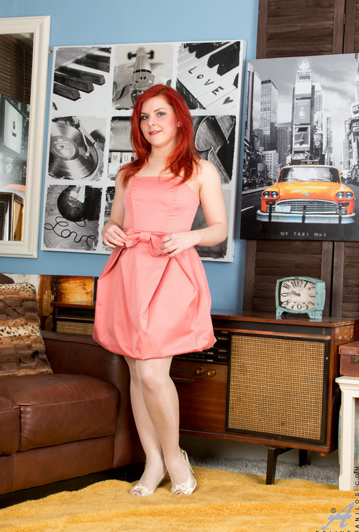 Poline - Naughty Redhead - Anilos
