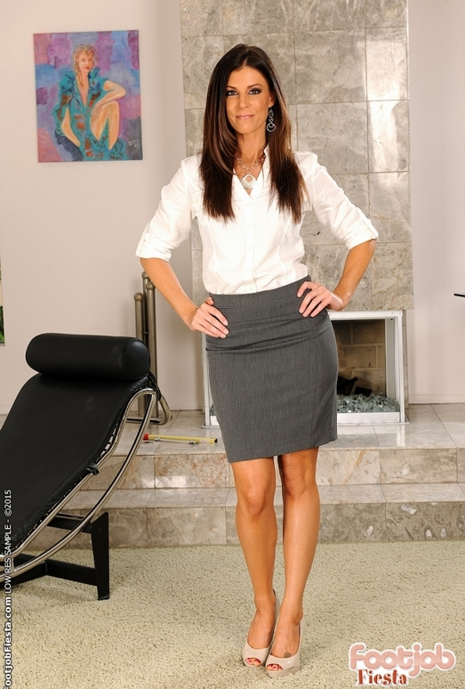 India Summer - My therapy is sex - Foot Job Fiesta