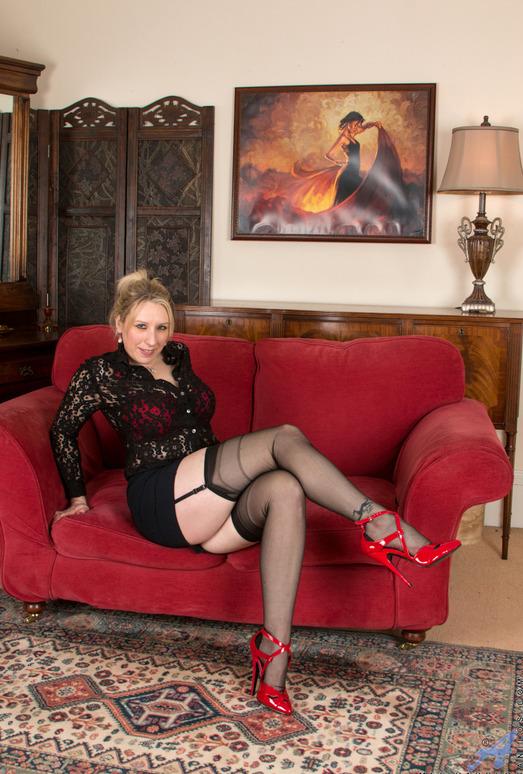 Mel Harper - Mature Spreading