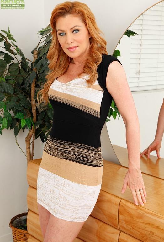 Mature redhead Sasha Sean revealing nice pair of all natural tits  148610