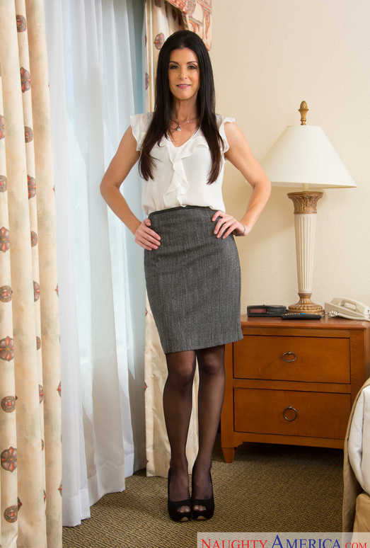 India Summer - Seduced By A Cougar