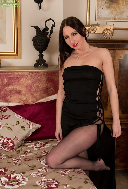 Tracey Lain - milf and stockings in the bedroom