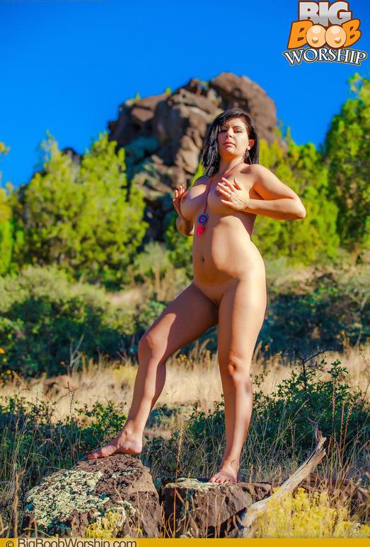 Sunning my Tits - Ashlynn - Big Boob Worship