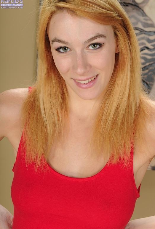 Penelope Lynn - nice natural tits