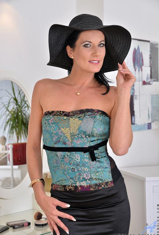 Celine Noiret - Star Quality