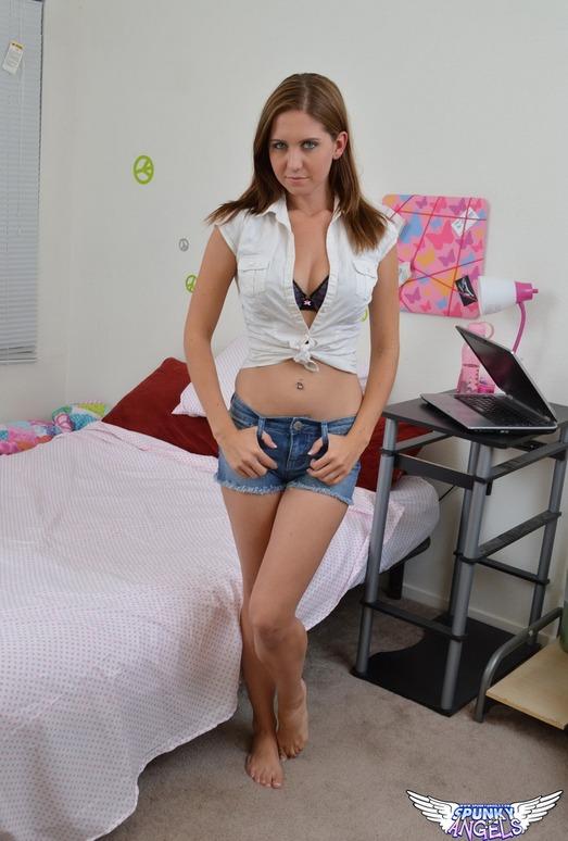 Chrissy Marie - Your Girl - SpunkyAngels