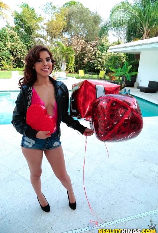 Lilith Shayton - Be My Valentine - Cum Fiesta