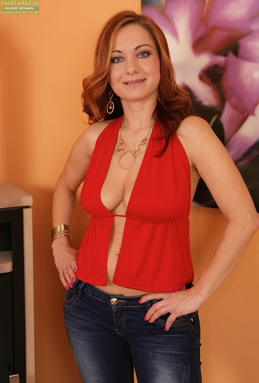 Jessica Red - busty milf gets undressed