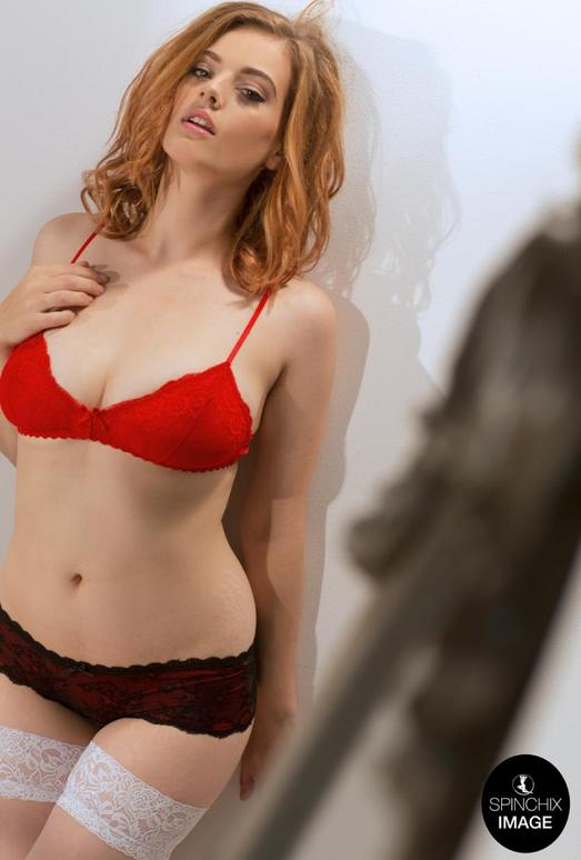 Lottii Rose taunts and teases in her Red bra - Spinchix