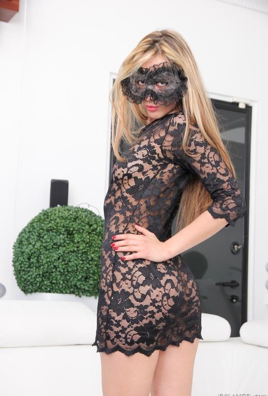 Veneisse - Pussy Acrobats