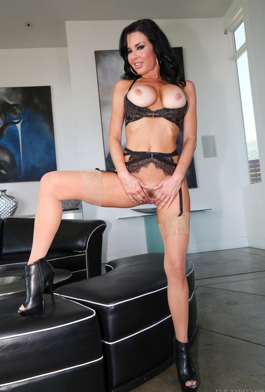 Adriana Chechik, Veronica Avluv - Pussy Acrobats #02