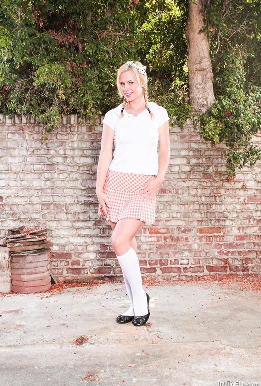 Tara Lynn Foxx - Gangland #82