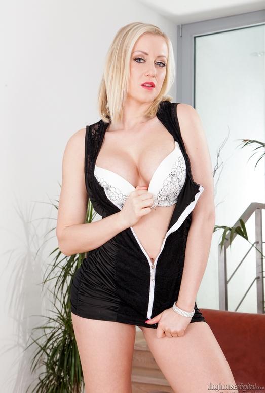 Viktoria Redd - Amazing Tits #02
