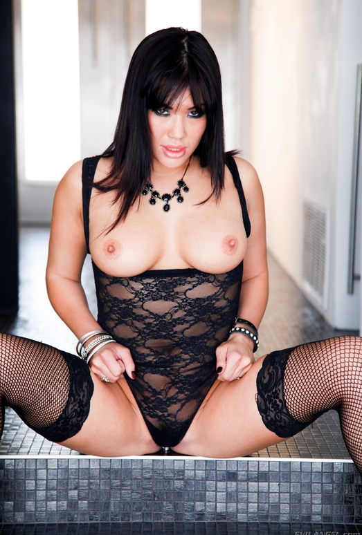 London Keyes - Slutty and Sluttier #17
