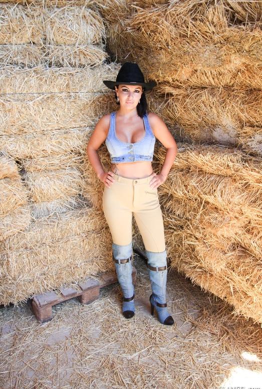 Amanda X - Stable Whores
