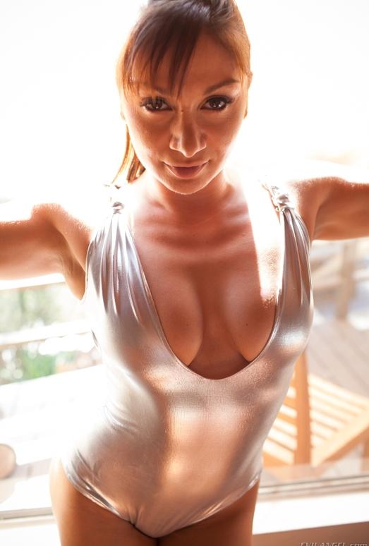 Lea Lexis, Dahlia Sky - Fetish Fanatic #12