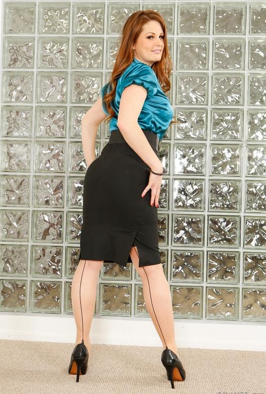 Allison Moore - MILF Gape #03