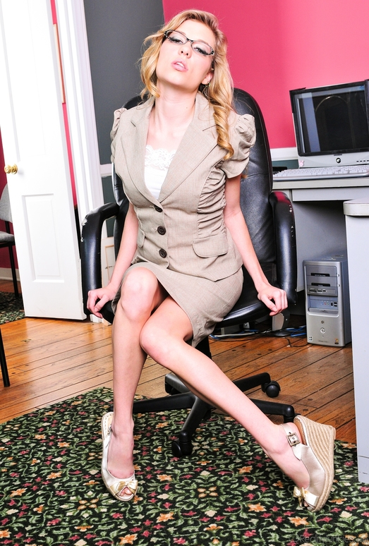 Nicole Ray - Office Perverts Vol 02