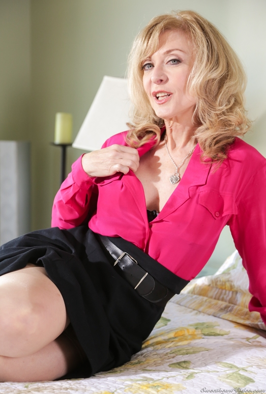 Nina Hartley, Natalia Starr - Mother Lovers Society #13