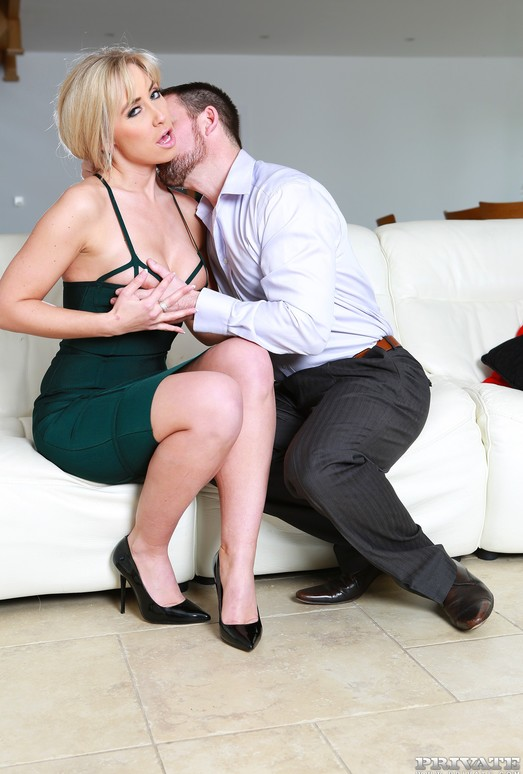Swinger Karlie Simon Gets Filled Up With a Sticky Creampie