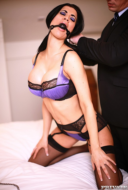 Fetish Superstar Jasmine Jae Pleasured by Stiff Cock