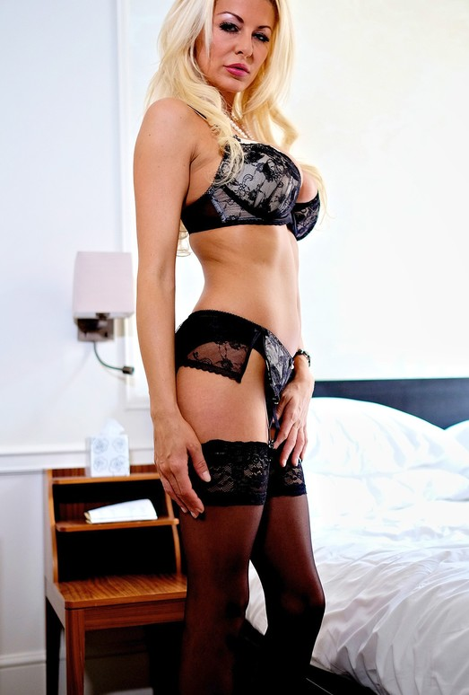 Busty Blonde Milf Tia Layne Swallows a Cumshot - Private