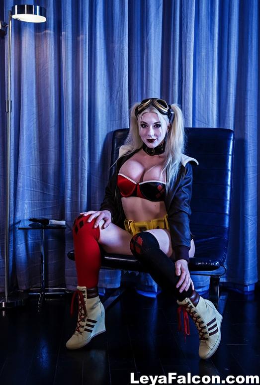Sexy Leya gets nude - Leya Falcon