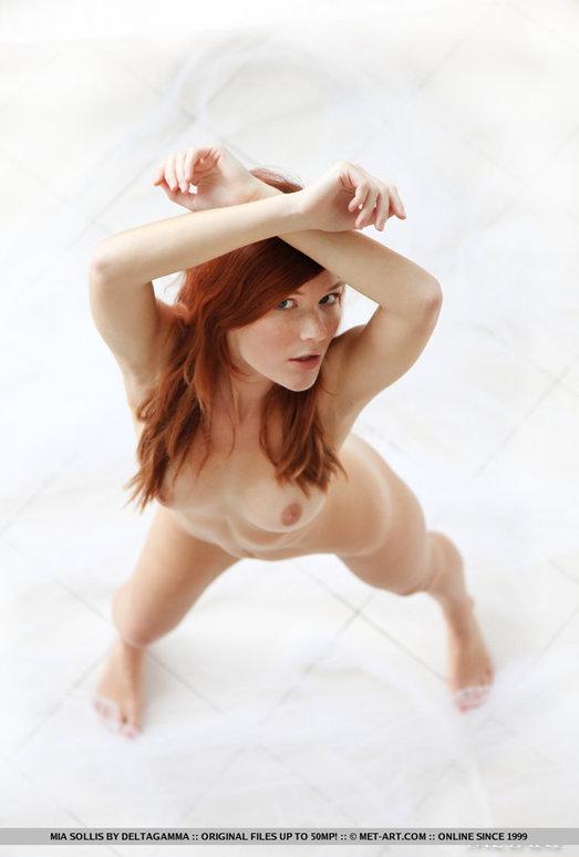 Mia Sollis - Voile - MetArt