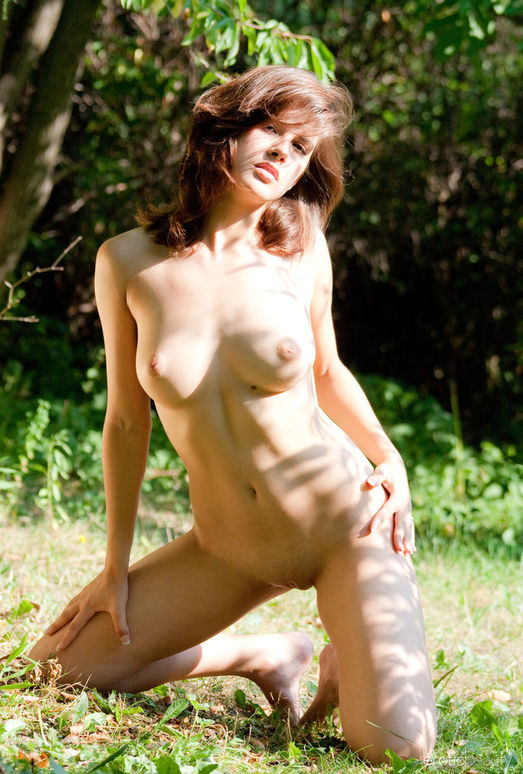 Anouchka - Summer Day - Erotic Beauty