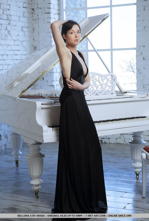 Bellona A - Presenting Bellona - MetArt