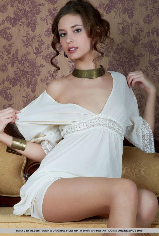 Irina J - Aspeti - MetArt