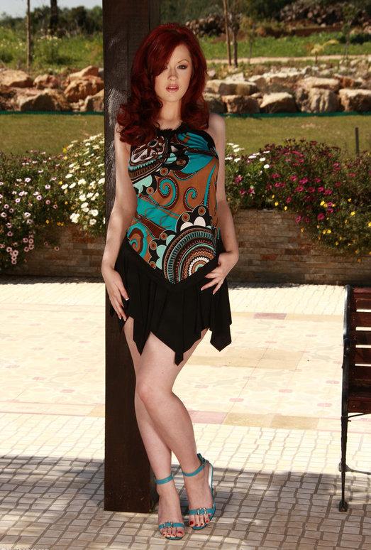 Jaye Rose - Viv Thomas